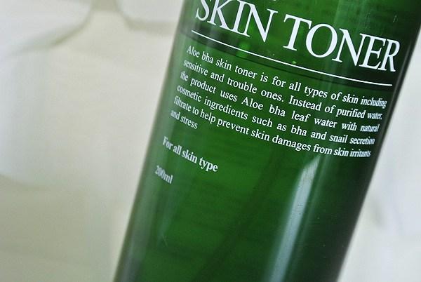 rec-benton-aloe-bha-skin-toner-02