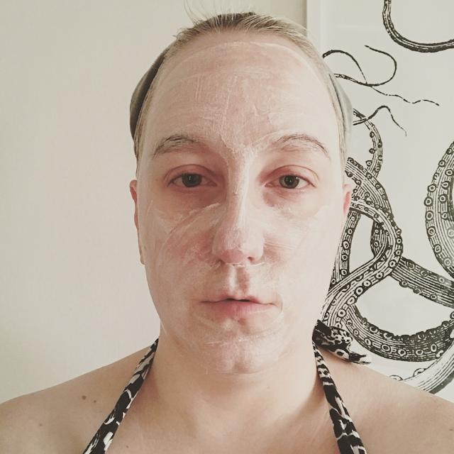 elemis-herbal-lavender-repair-mask-02