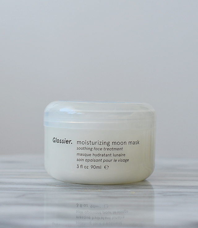 glossier-moisturizing-moon-mask-02